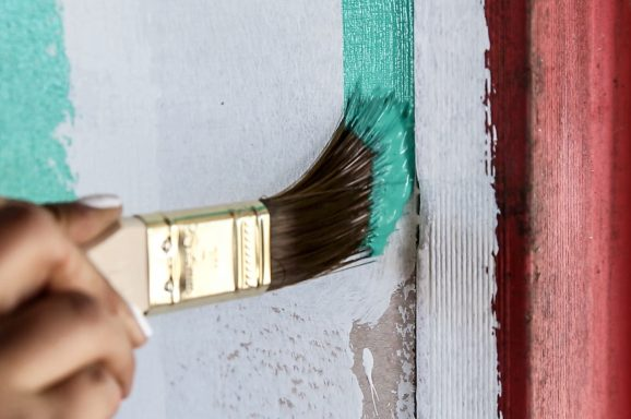 Create an Aged Wall Effect with Porter's Paints