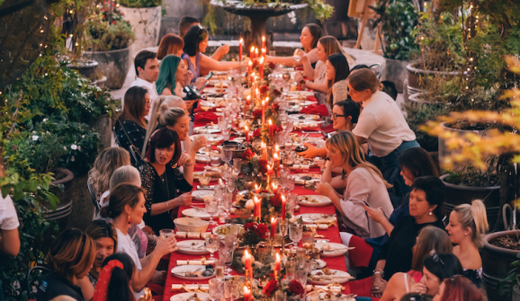 How-to: Styling your Christmas Dinner Party with a twist