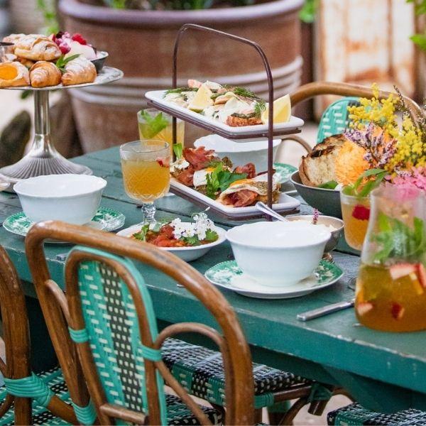 The Cafe :: Weekend Brunch Menu